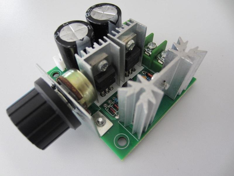 DC variklio greicio reguliatorius 12 - 40V 10A