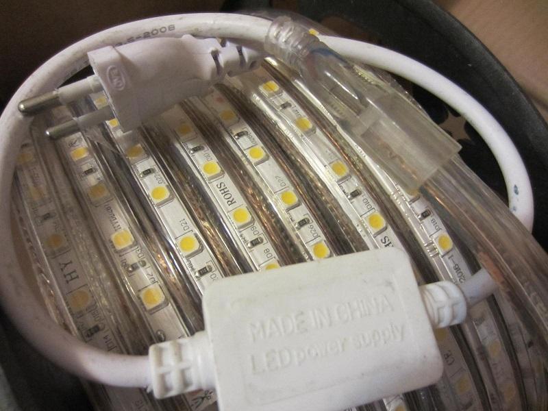 LED juostos 220V pajungimo laidas