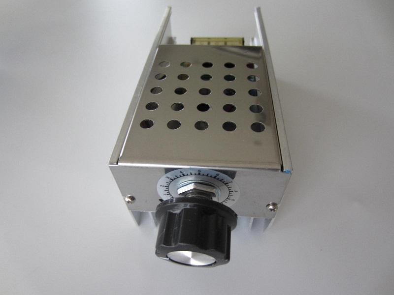 Itampos reguliatorius 220V 40A