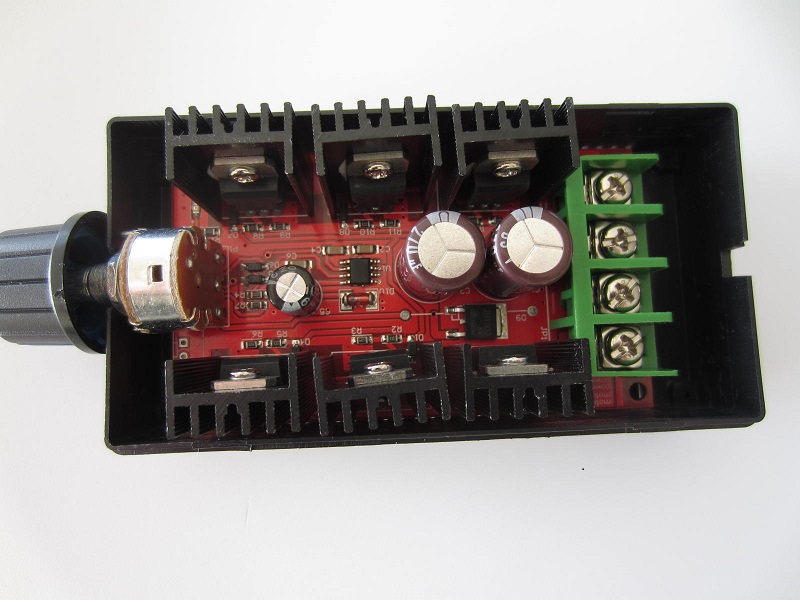 DC variklio greicio reguliatorius 10-50V 40A a 200hz