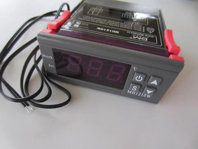 Termoreguliatorius temostatas 220V 3sk. 4mygt. 10A