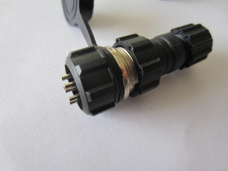 6 kontaktu sujungimas GX16
